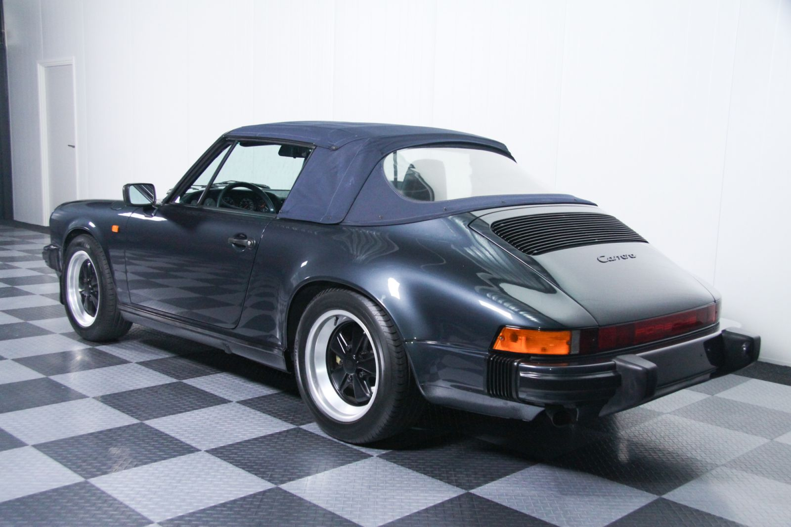 Dream Garage Sold Carsporsche Porsche 911 3 2 Carrera Cabriolet