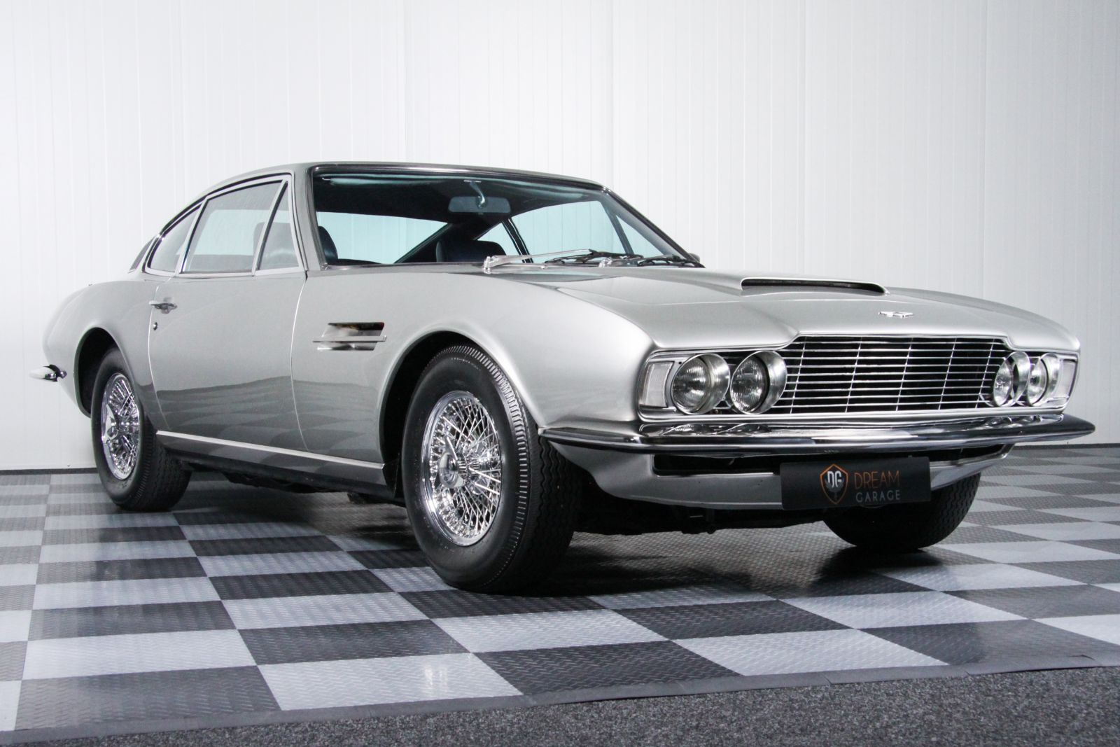 dream garage sold carsaston martin aston martin dbs v6 lhd. Black Bedroom Furniture Sets. Home Design Ideas