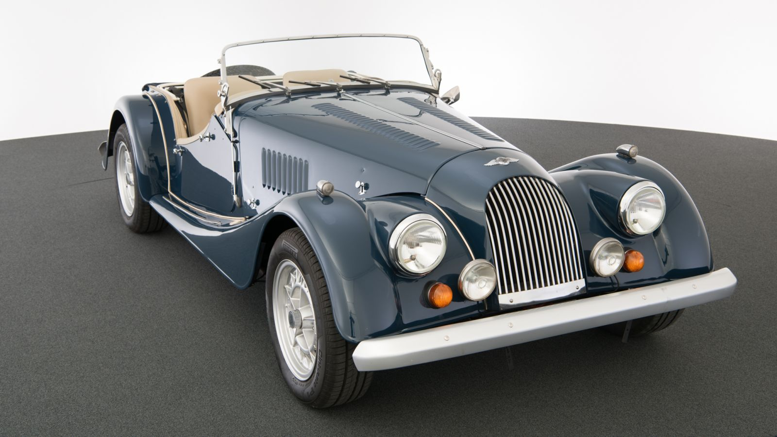 dream garage sold carsmorgan morgan plus 8. Black Bedroom Furniture Sets. Home Design Ideas