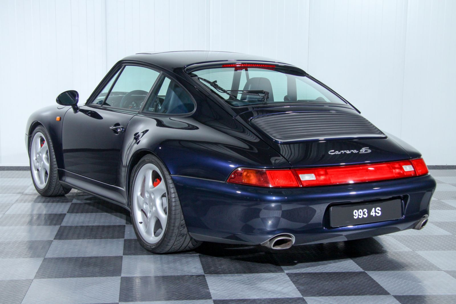 dream garage collectionporsche porsche 911 993 carrera 4s coupe. Black Bedroom Furniture Sets. Home Design Ideas