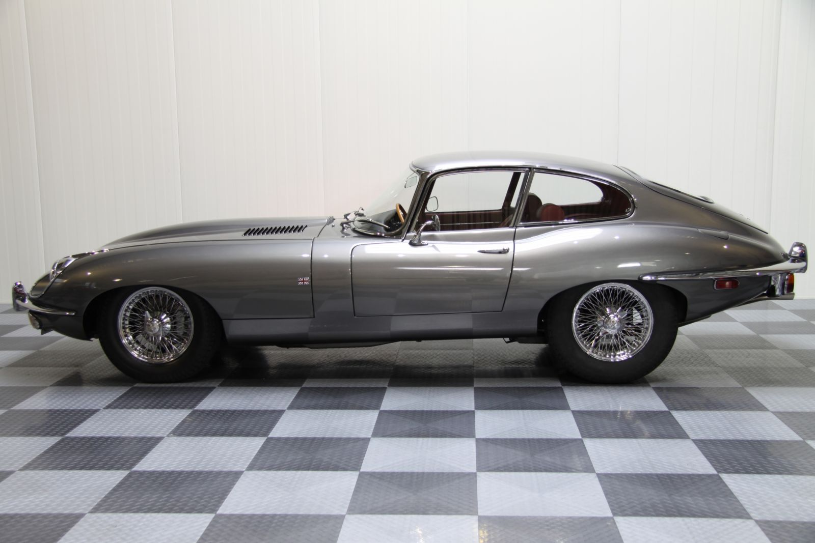 Jaguar E Type Coupe 42 Series 2 Fhc on 1969 jaguar xke