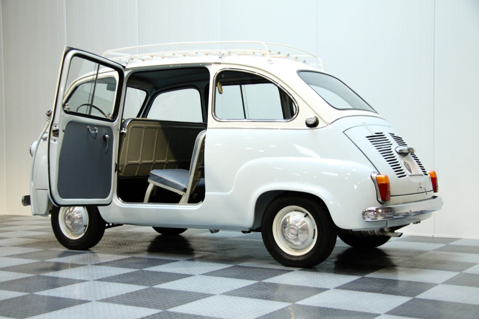 dream garage sold carsfiat fiat 600 multipla. Black Bedroom Furniture Sets. Home Design Ideas